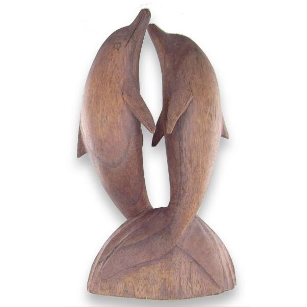 Couple de dauphins en bois sculpté