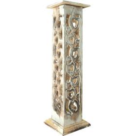 Porte encens colonne en bois ciselé motifs coeurs.