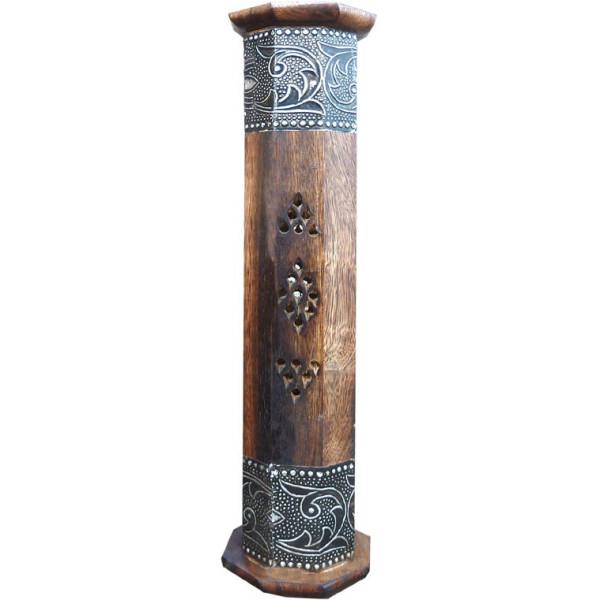 Porte encens colonne en bois et métal ciselé.