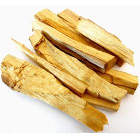 Bâtonnets de bois de palo santo du Pérou