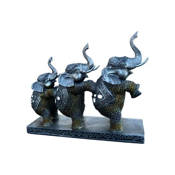 Elefantentrio stehend