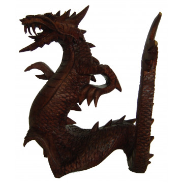 Dragon en bois sculpté