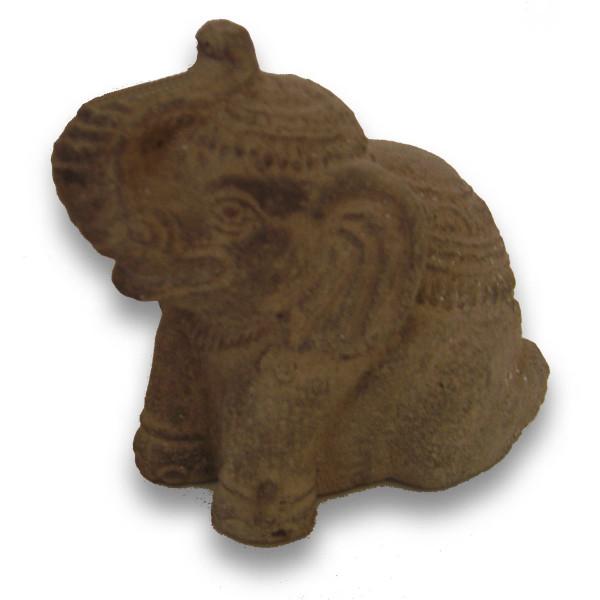 Eléphant en pierre