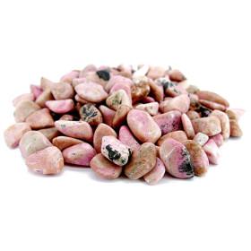 La rhodonite possède de nombreuses vertus apaisantes comme la plupart des pierres aux tons rosés