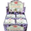 Weihrauchkegel säumen wertvollen Lavendel